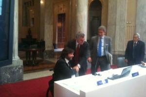 Pietro Barbieri, presidente della FISH, e Mauro Moretti, amministratore delegato di Ferrovie dello Stato Italiane