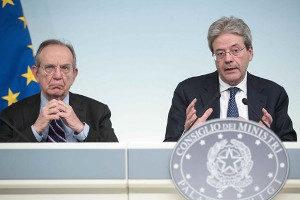 Il Ministro dell'Economia e delle Finanze Pier Carlo Padoan ed il Presidente del Consiglio Paolo Gentiloni
